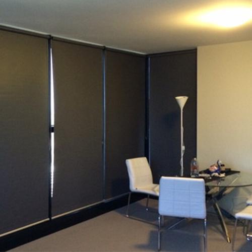Tenha o controle da luz com cortinas blackout